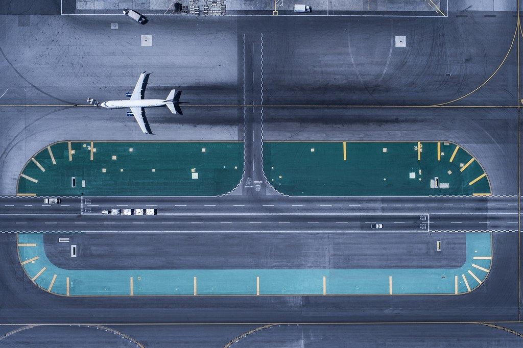 aerial-shot-lax-airport-gettyimages-567874077
